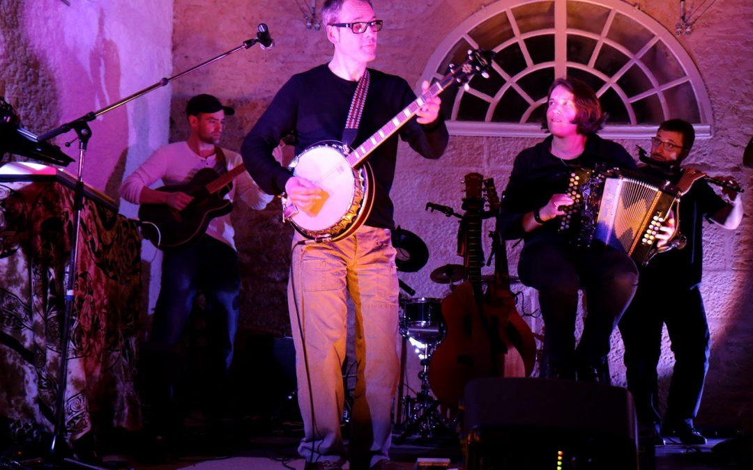 Soirée pub concert, animée par le groupe Yeltis de l'association «l'Europe se forge à Fourchambault»